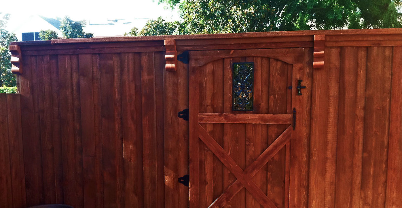 Plano Privacy Fencing | 8 ft board on board cedar wood fence metal posts